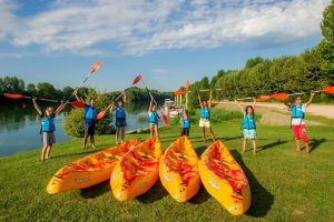 Camping Kanopee Village_groupe_hebergement_1