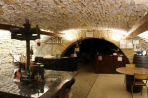 domainepampresdor-gourmande-cave-01