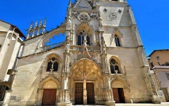 Façade de l'église Notre-Dame des Marais à Villefranche sur Saône